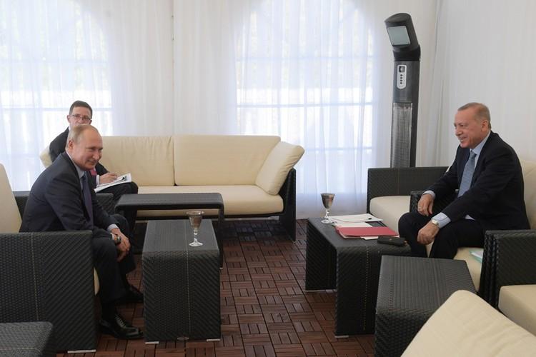 Стороны подписали меморандум, фактически завершающий военную операцию Анкары в арабской республике