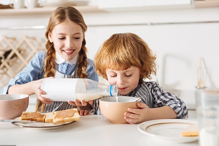 В отрубях содержится фитиновая кислота. Она связывается с кальцием и магнием из молока, формируя нерастворимые соединения