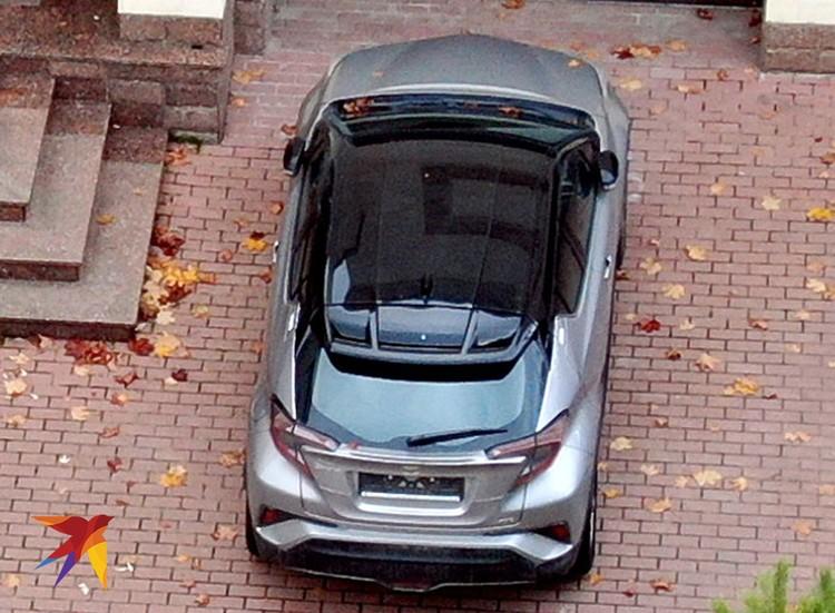 """Автомобиль """"Тойота"""" - подарок Анастасии Заворотнюк маме."""