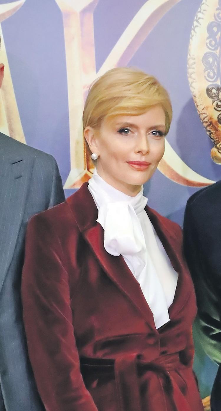 Анна Чурина.