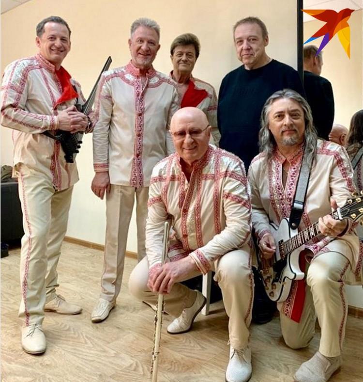 «Белорусские песняры» недавно встретились с похудевшим на 100 кило Александром Семчевым и расспросили его об ощущениях в новом весе. Фото: Инстаграм «Белорусских песняров»