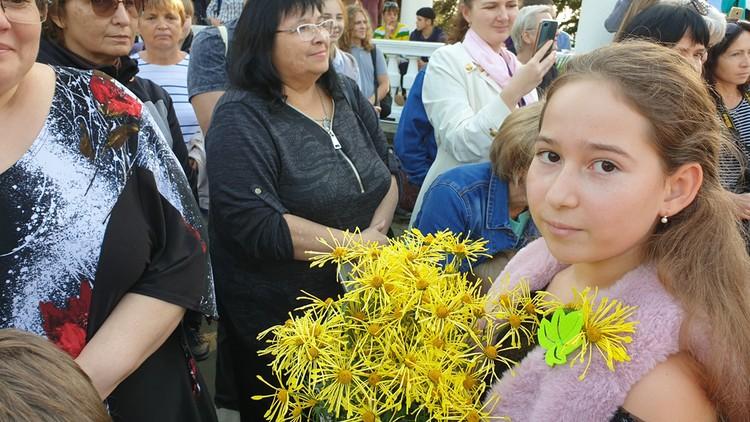 Принцессу на Бале сопровождала юная фрейлина. Фото: пресс-служба НБС-ННЦ