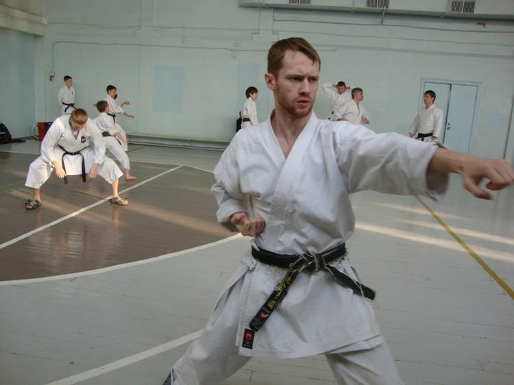 Тренируется Дмитрий упорно Фото: архив Дмитрия Бывальцева