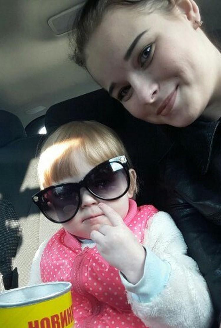 Екатерина, узнав, что пропала Даша взяла билеты и вылетела. Фото: семейный архив
