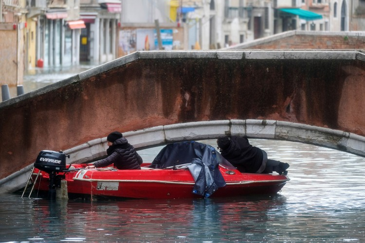 """По всем прогнозам, сезон """"высокой воды"""" в ближайшие дни должен пойти на убыль."""