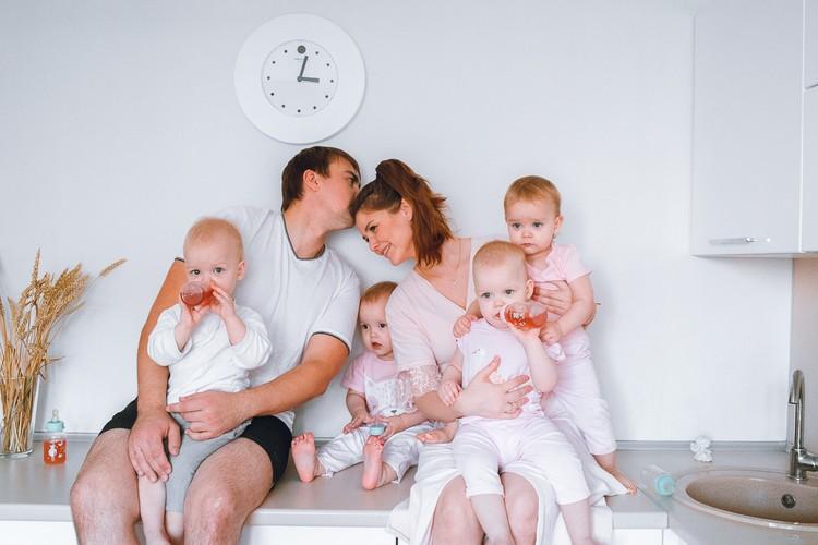 99 тысяч человек следят за жизнью этой семьи в интернете. Фото: www.instagram.com/marinka_kvadromama