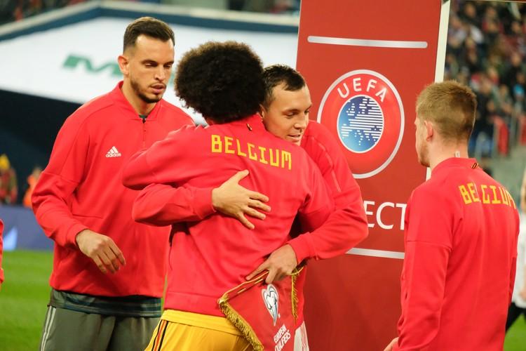Несмотря на соперничество, футболисты все равно по-дружески относятся друг к другу
