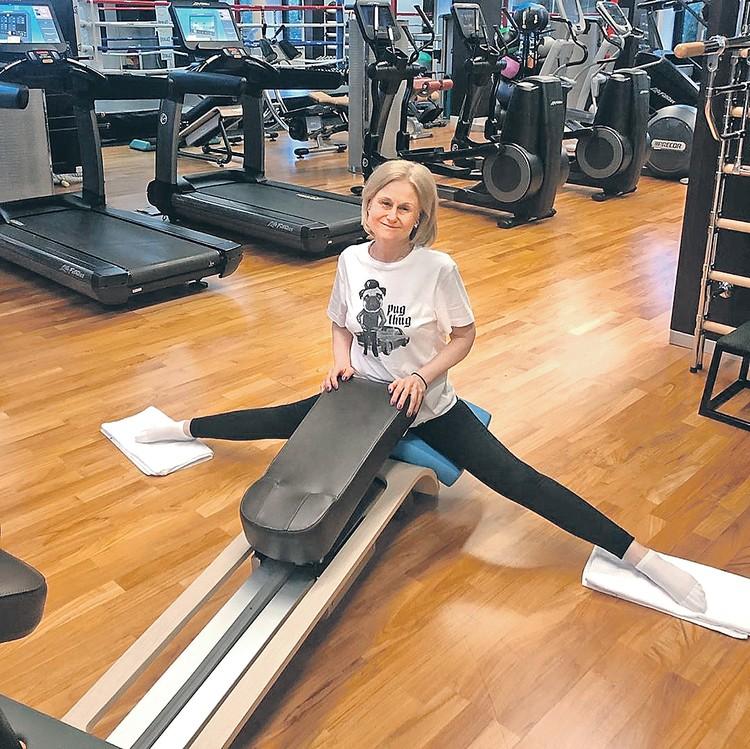Лишние калории Дарья Донцова сжигает в спортзале. Фото: Личный архив