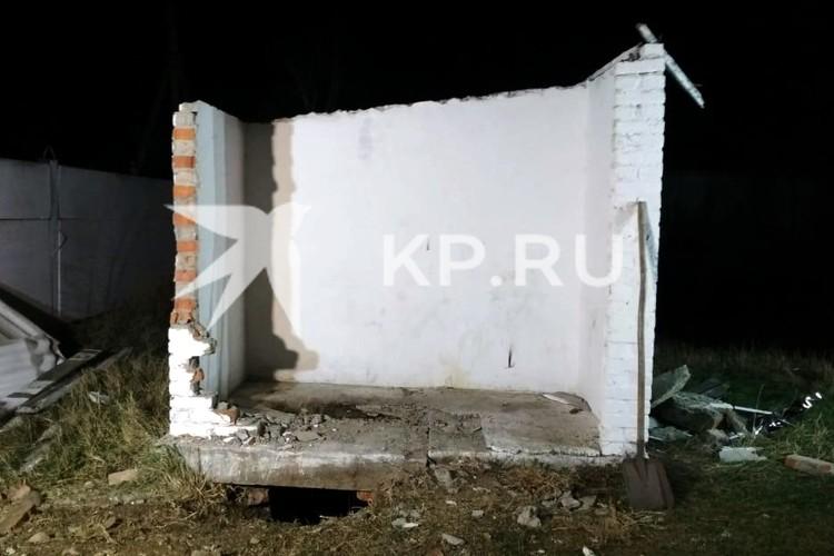 Тот самый туалет, в котором нашли школьницу. Фото: СУ СК по Краснодарскому краю.