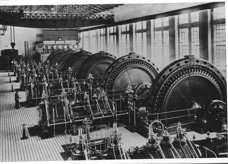 Машинный зал электростанции 1900-е годы. Фото: Музей истории Энергетики