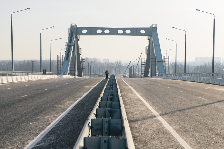 Эксперты уверены, что шесть полос Фрунзенского моста - слишком большая нагрузка на дорожную сеть старого центра Самары