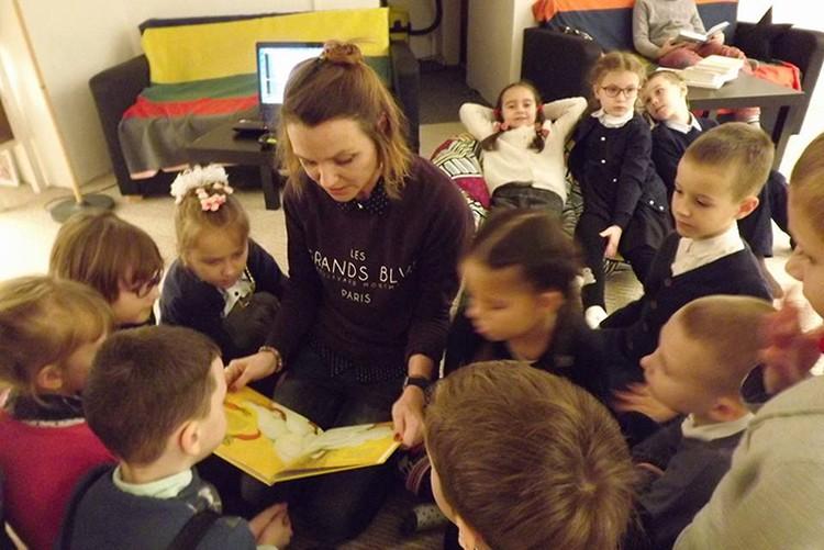 Хитом в Беларуси стали две книги Вольги для детей - «Сумны суп» и «Дзве авечкi». Фото: Личный архив