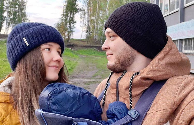 У молодого ветврача есть жена и маленькая дочь. Фото героя публикации