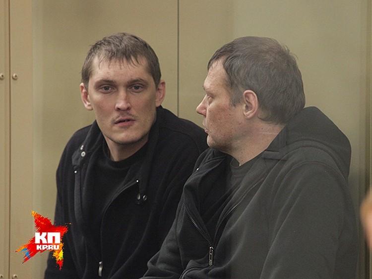 Владимир Алексеев(слева) и Игорь Черных в зале суда