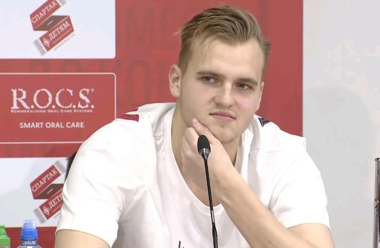Вратарь Александр Максименко.