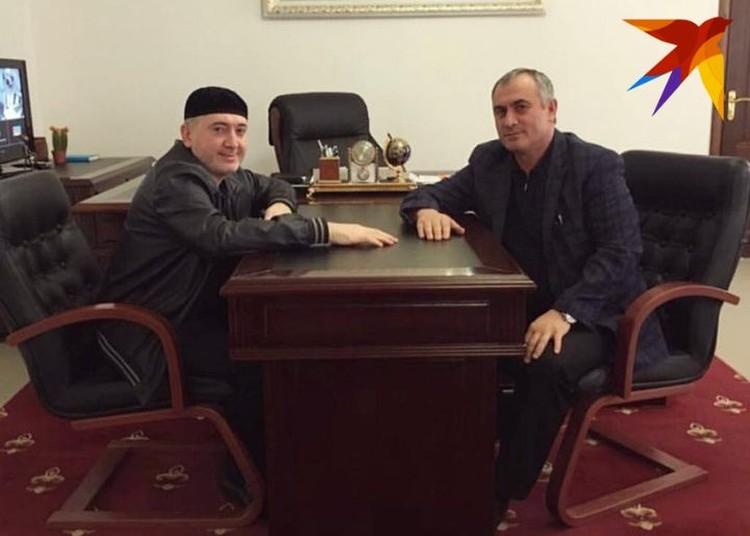 Убитый год назад лидер общины баталхаджинцев Ибрагим Белхороев (слева) и Хасан Полонкоев (справа), который, как считает следствие, и отомстил за его гибель.