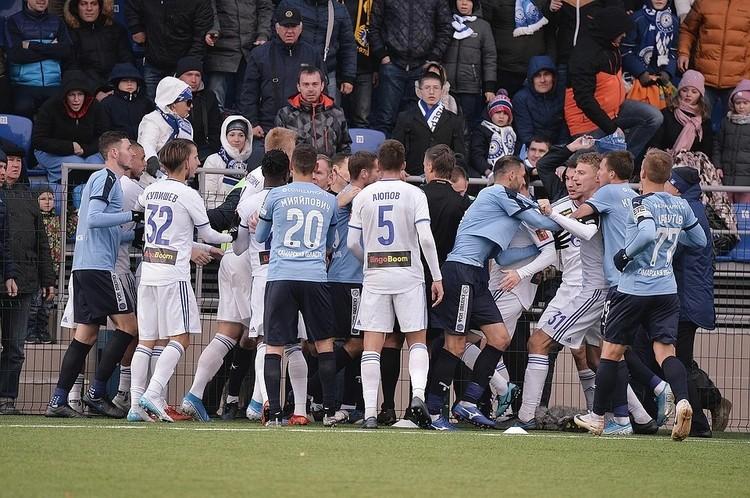 Матч «Крыльев» с «Оренбургом» запомнился, в первую очередь, потасовкой в конце встречи. Фото: ФК «Оренбург».