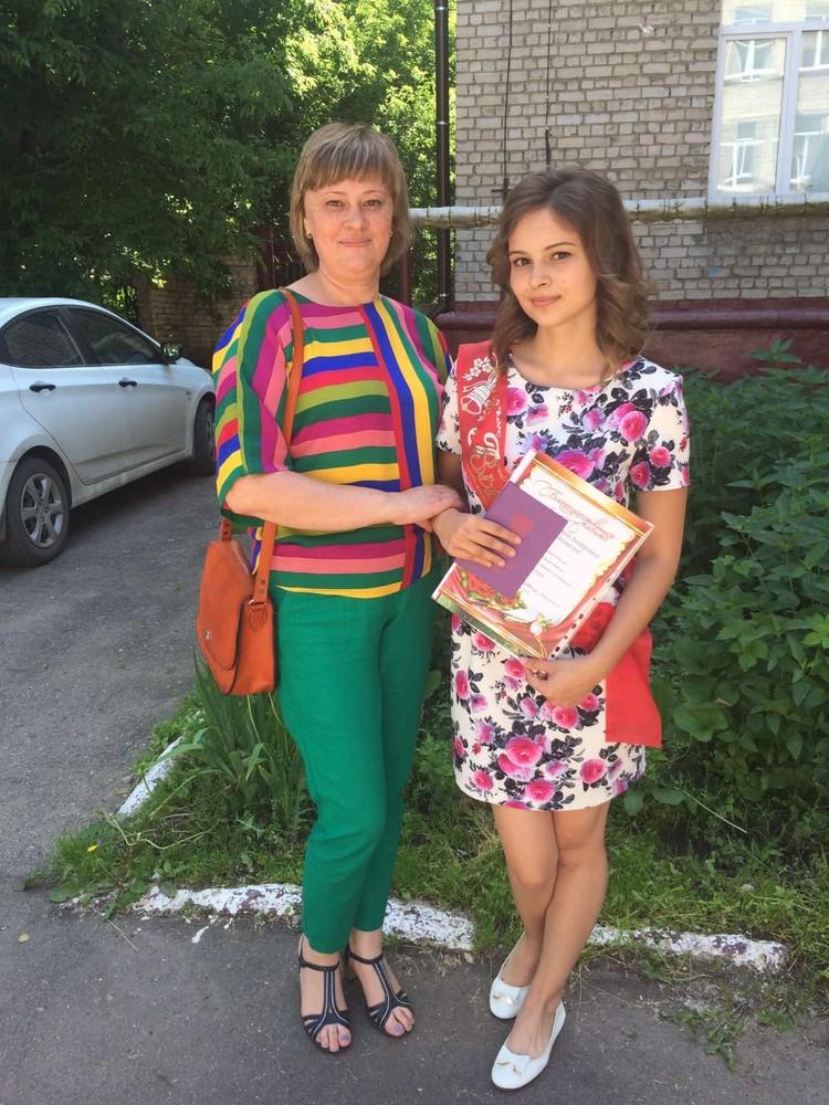 Уже год родители пытаются найти виновных в смерти дочери.