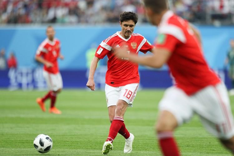 Юрий Жирков в матче группового этапа ЧМ-2018 между сборными командами России и Египта.