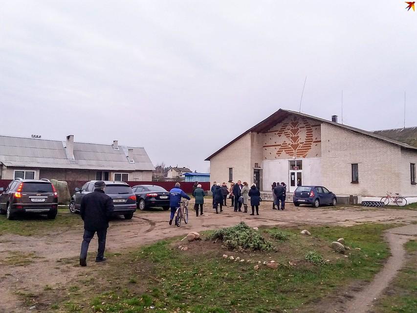 Клуб в деревне - кирпичный, вместительный. Фото: Оксана БРОВАЧ