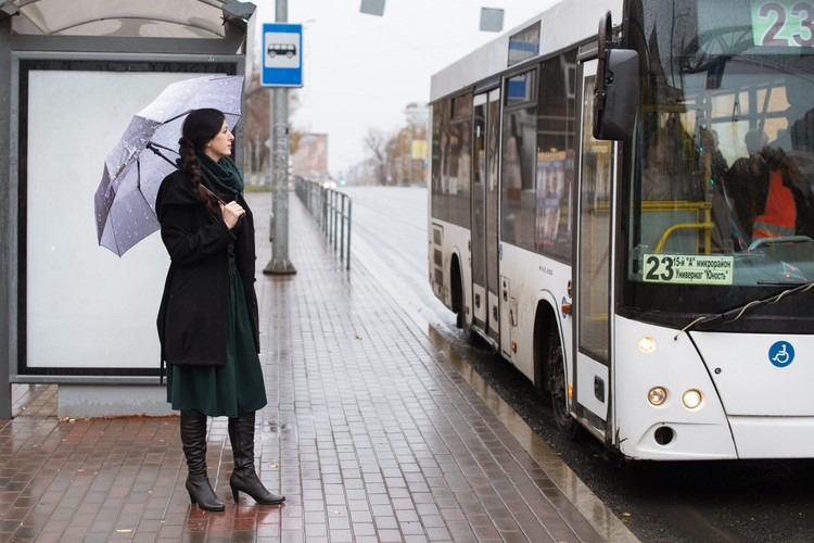 Сейчас ждать автобус приходится достаточно долго