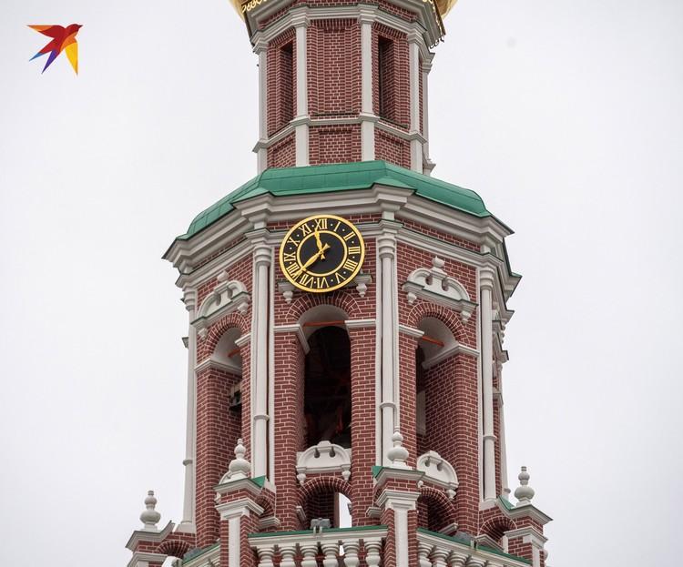 Монастырская колокольня полностью восстановлена после пожара 2015 года.