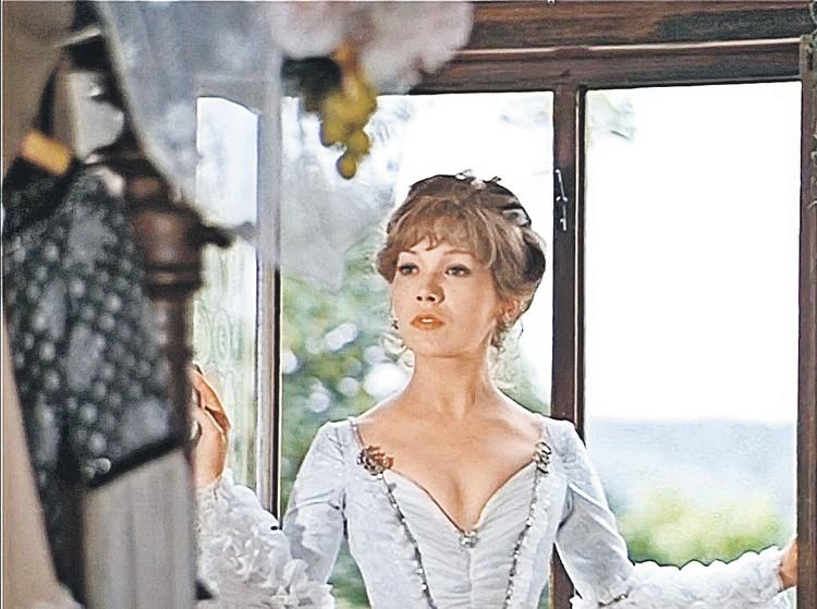 Елена Коренева сыграла Марту, возлюбленную барона. Фото: Кадр из фильма
