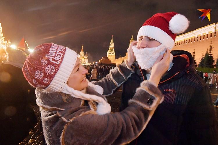 Как бороду в новогоднюю ночь прикрепишь, так она весь год держаться и будет