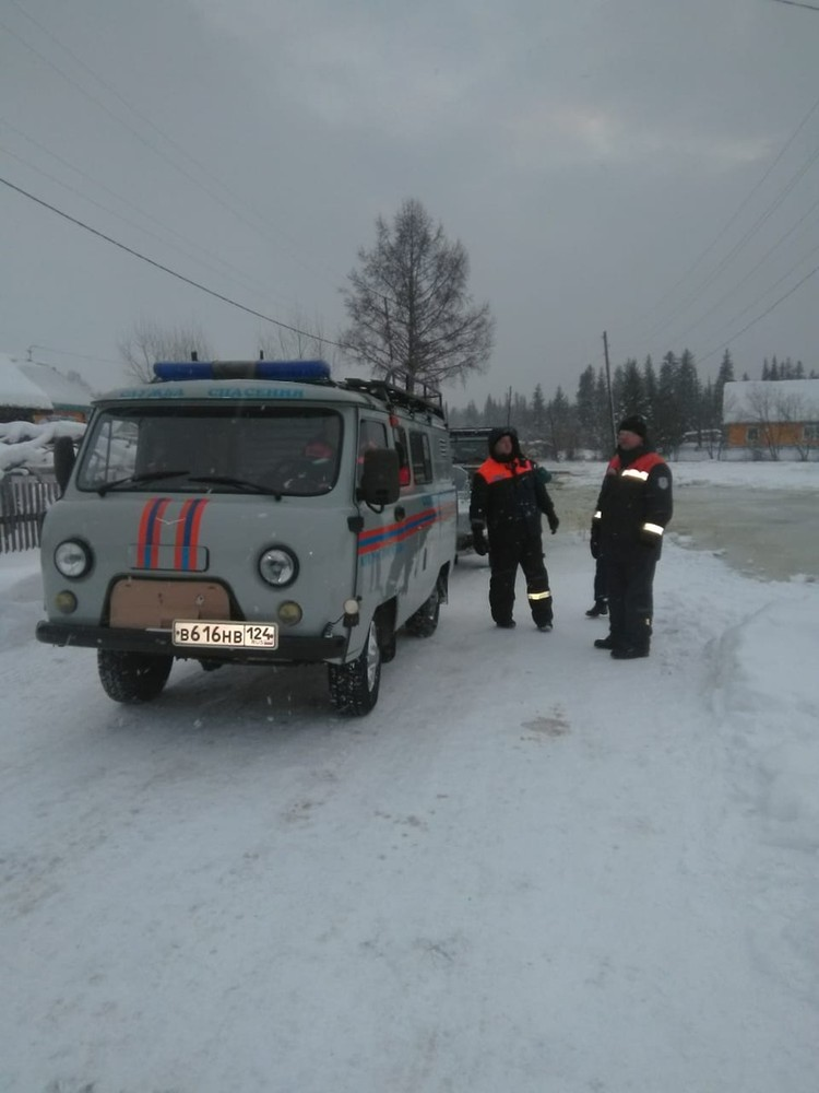 Каждые четыре часа измеряется уровень воды Фото: ГУ МЧС по Красноярскому краю