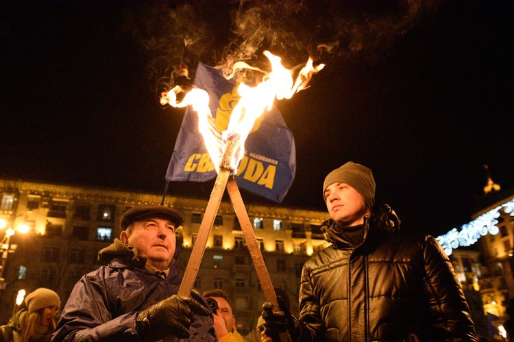 """Националисты устроили шоу в """"лучших традициях"""" фашисткой Германии."""