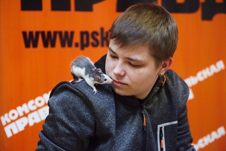 Глеб Колупаев и его крыса Кайл.