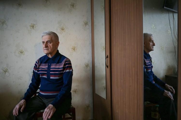 Вячеслав Викторович Танцура 18 января 1970 года был на сессии в институте, поэтому не попал на работу. Но тоже был заражен