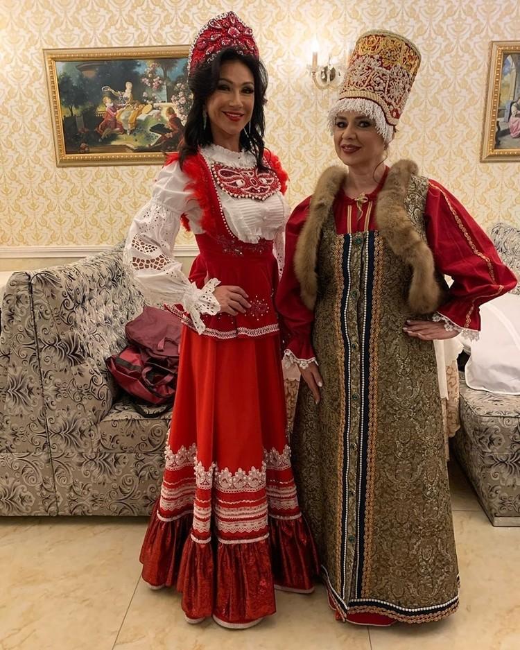 Зрителей и жюри Ксения особенно порадовала своим национальным костюмом, благодаря которому от нее не оторвать глаз. Фото: instagram.com/missis_spb_baltiya