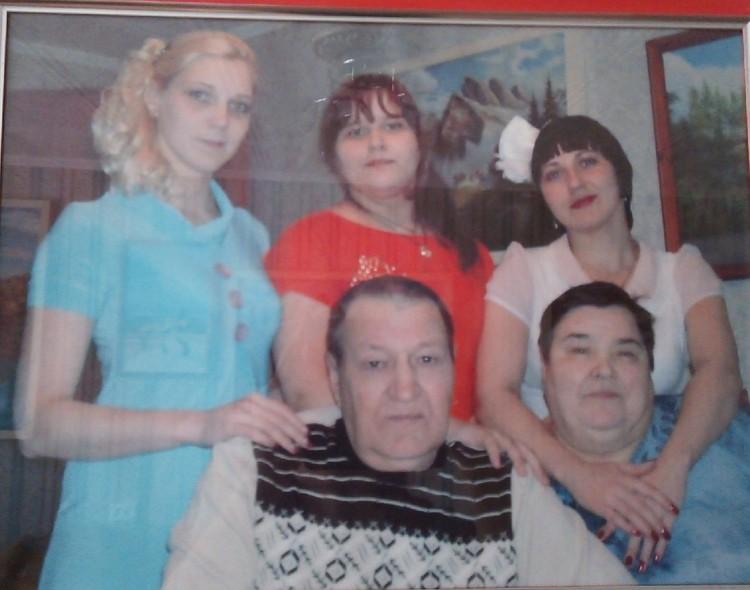 Дети потеряли маму, внучка - бабушку, муж - жену. Семья Елены Секисовой