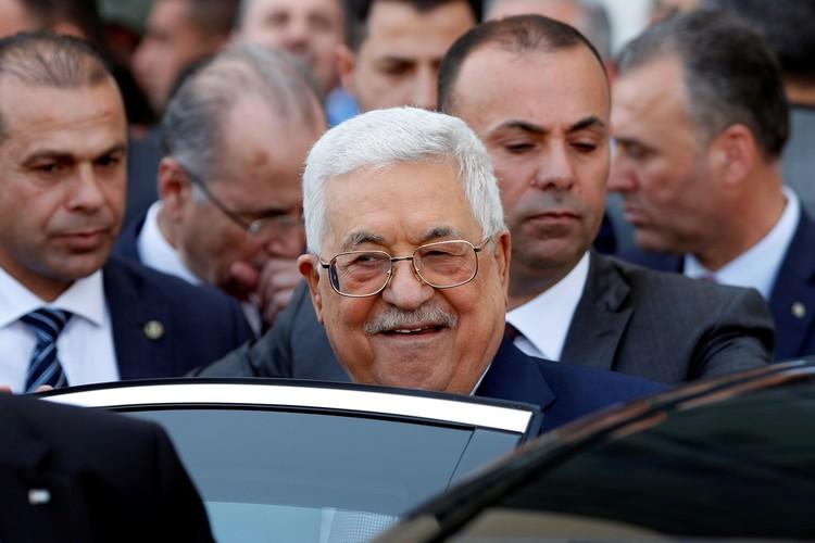 Махмуд Аббас заявил, что палестинский народ категорически не принимает предложенную сделку.
