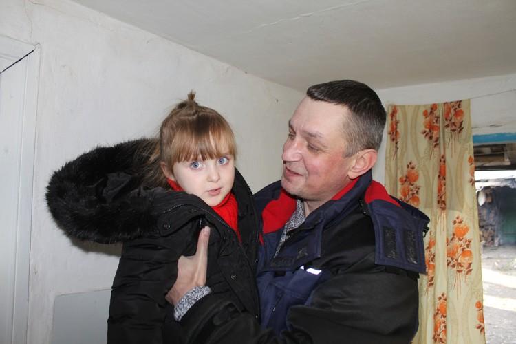 Виктор Артамонов уже не первый год помогает жителям Донбасса