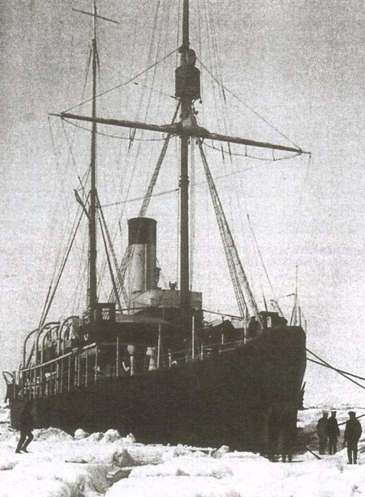 Ледокол «Вайгач», на котором Колчак через южные моря ходил в Арктику в 1909—1910 годах. Фото Википедия