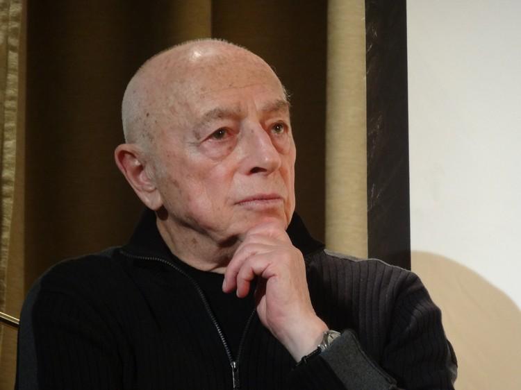 Александр Моисеевич Городницкий, доктор геолого-минералогических наук, профессор, заслуженный деятель науки Российской Федерации.