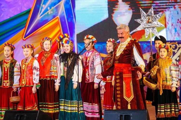С концертами знаменитого хора он побывал практически во всех странах мира. Фото: vk.com/kubancossackschoir