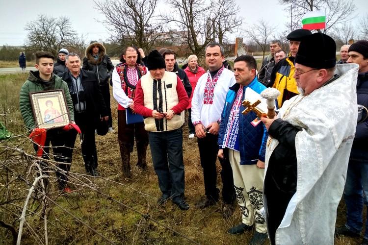 Болгары 14 февраля выходят на виноградники - чествовать святого Трифона, покровителя виноделов