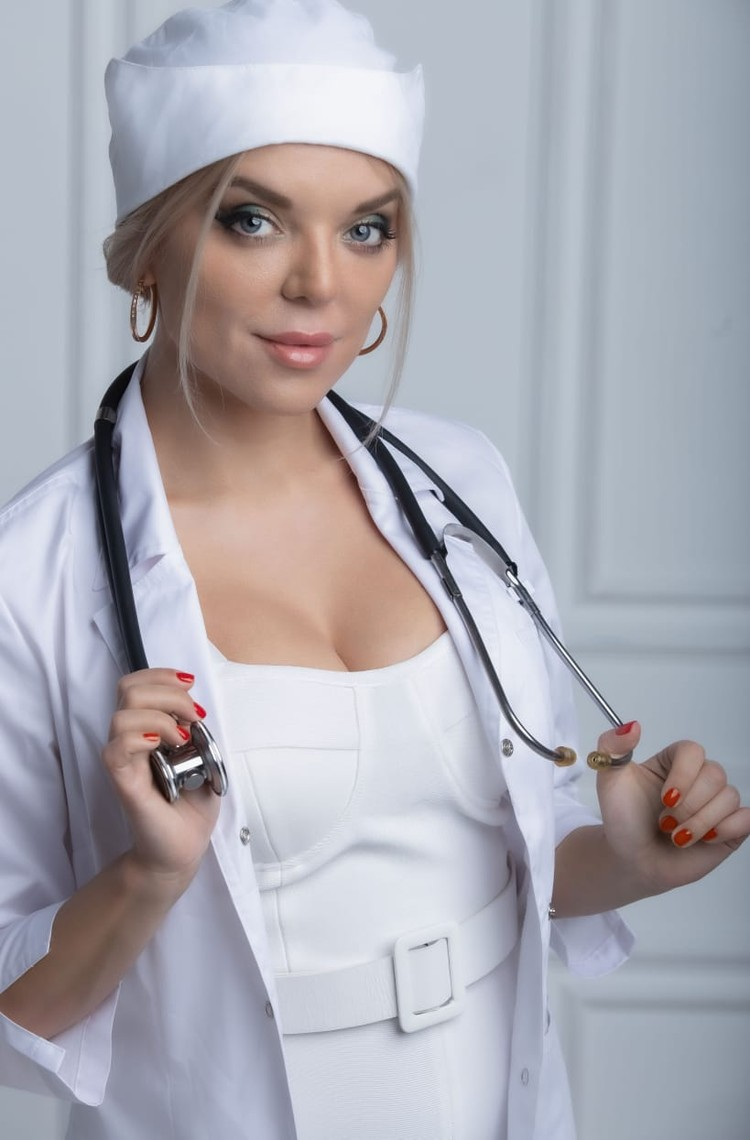 Косметолог Марта Орлова убеждена, что Алла Борисовна частый гость у ее коллег.