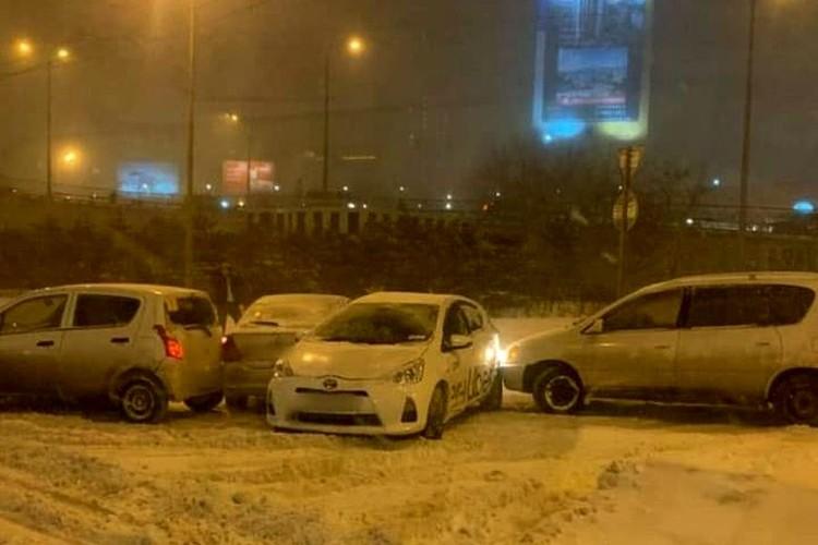 Автомобили врезались на скользкой дороге. Фото: AK_VDK, dps_vl