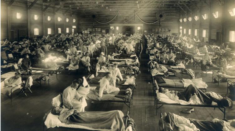 """Заразившимися """"испанкой"""" были переполнены госпитали."""