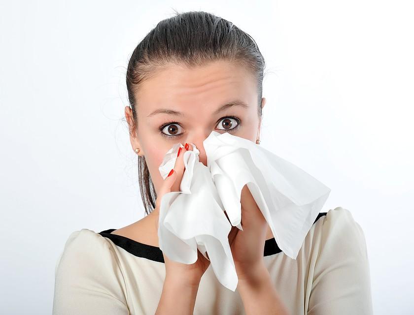 При кашле или чихании используйте одноразовые салфетки. Фото: Иван ПРОХОРОВ