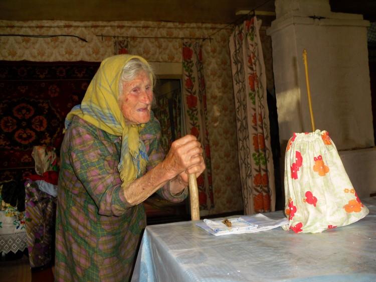 При болезнях в деревнях (например, на землях нынешнего Климовичского района) обращались к свече. Фото: Татьяна ВОЛОДИНА