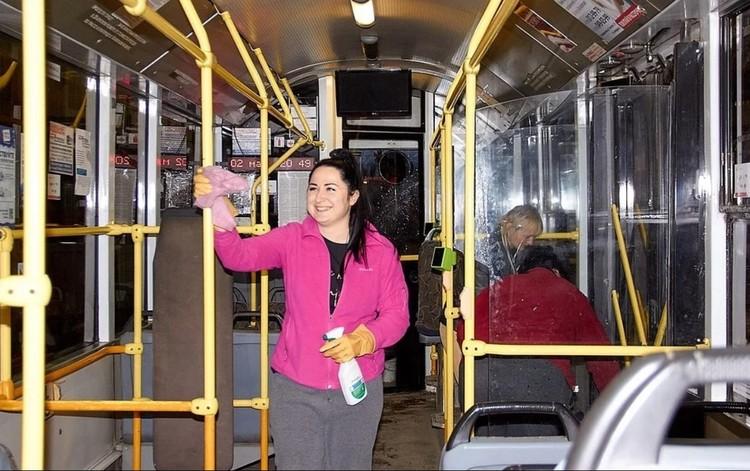 Все троллейбусы ежедневно дезинфицируют. Фото: Минтранс РК