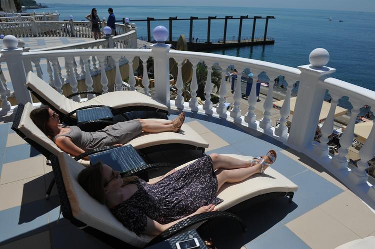 Отдых в одном из отелей Сочи.