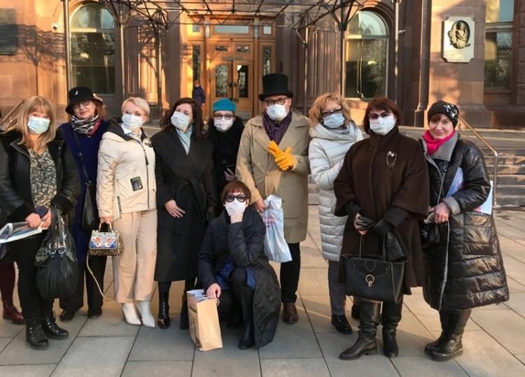 Васильев уверен, что из-за коронавируса мода на селфи и кальянные вечеринки сойдет на нет.