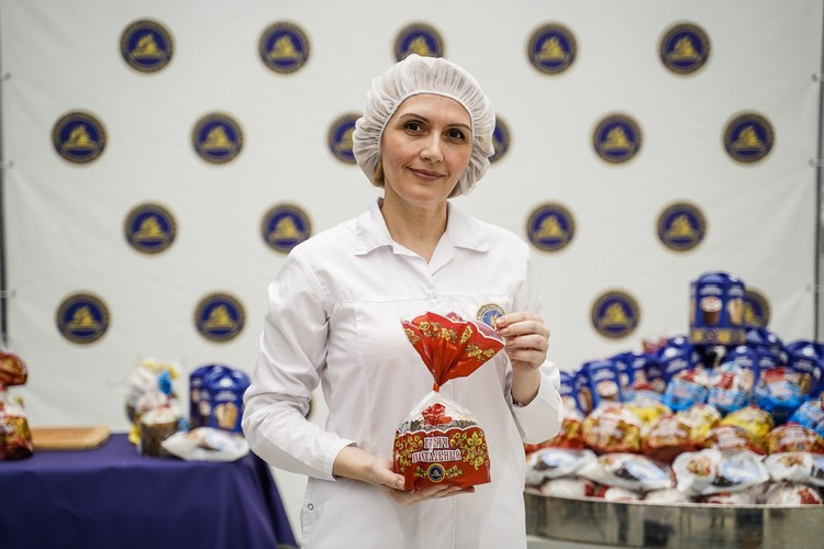 Элеонора Ферингер, руководитель производственной лаборатории знает, как пекутся правильные куличи