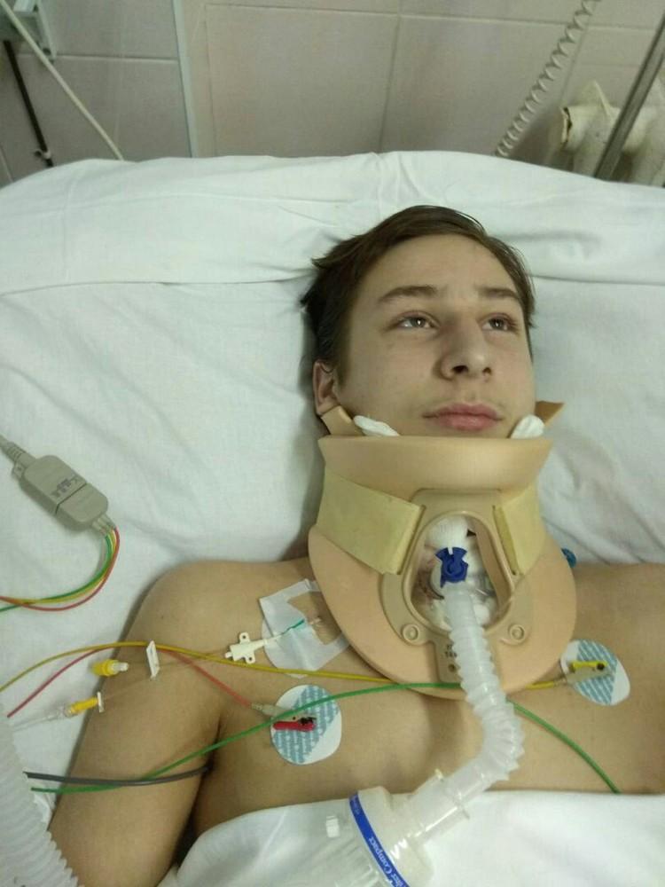 Илья перенес уже четыре сложные операции